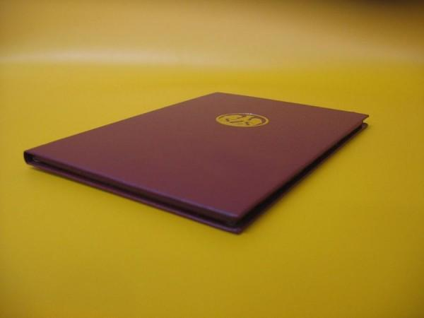 Okładki kaszerowane na dyplomy medale lub pakiety ulotek